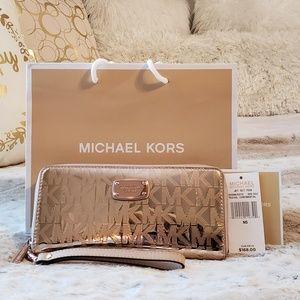 Michael Kors Jet Set travel continental wallet